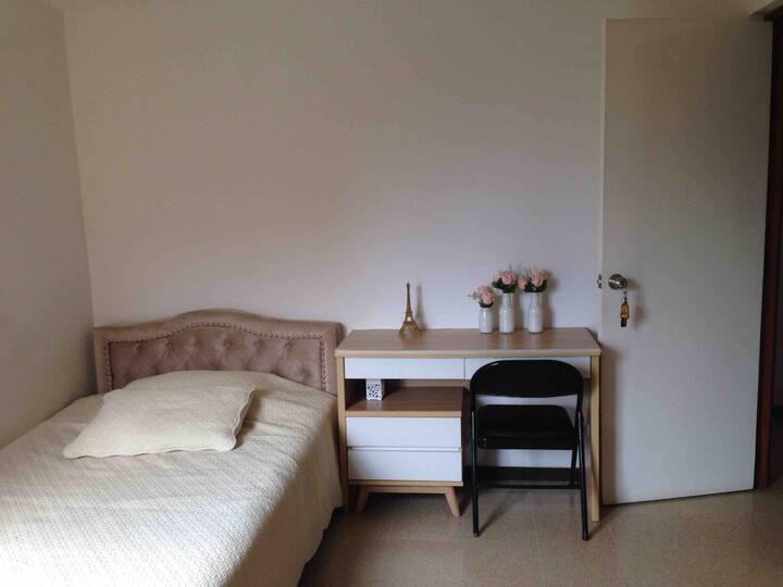 Habitación con Baño privado en Envigado-Otraparte.