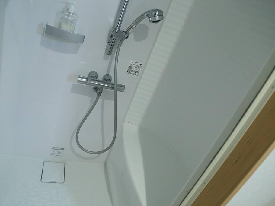 Shower - シャワー