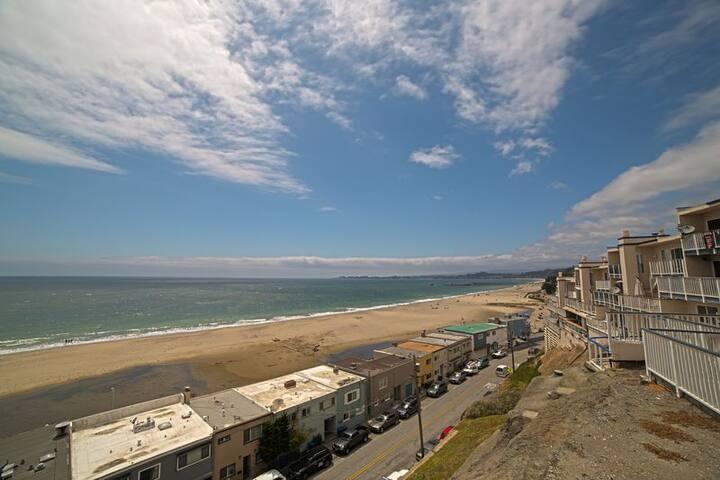 230I Shore del Mar I