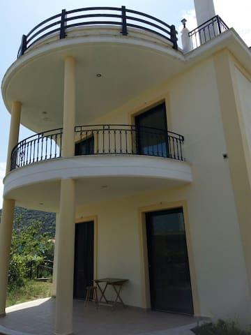 Maria Cozy apartments in Tyros beach