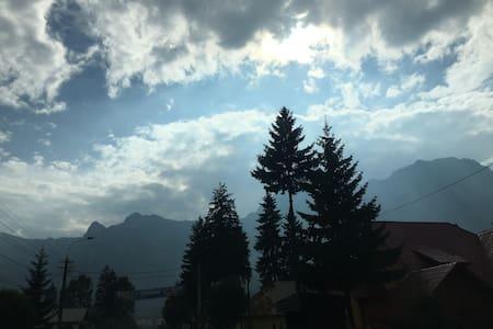 Amazing view - Bucegi mountains - Predeal - Apartamento