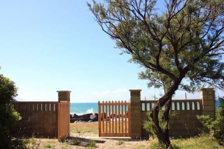 Casa vista mare e accesso diretto sulla spiaggia