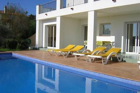 Villa Isabella (8 personen) met zwembad + Wifi - Calonge