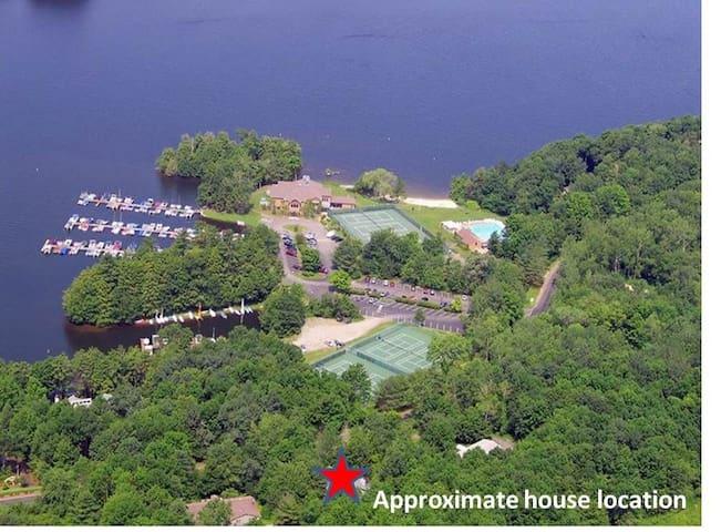 Summer 2021 @ the Lake 4 Bedroom AC + pool/tennis