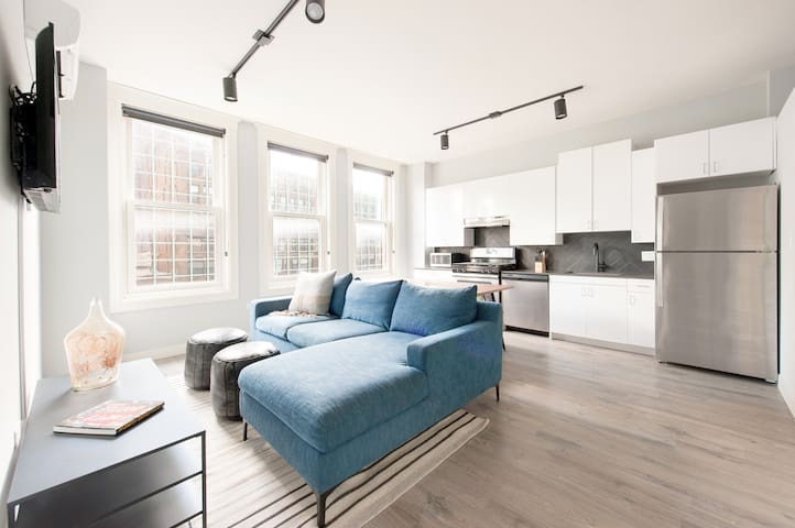 Sonder | The Plymouth | Classic 4BR + Gym