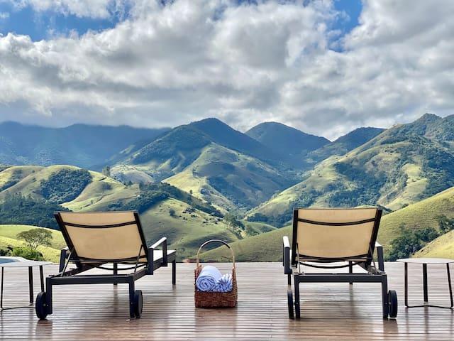 Refúgio na montanha com vista espetacular