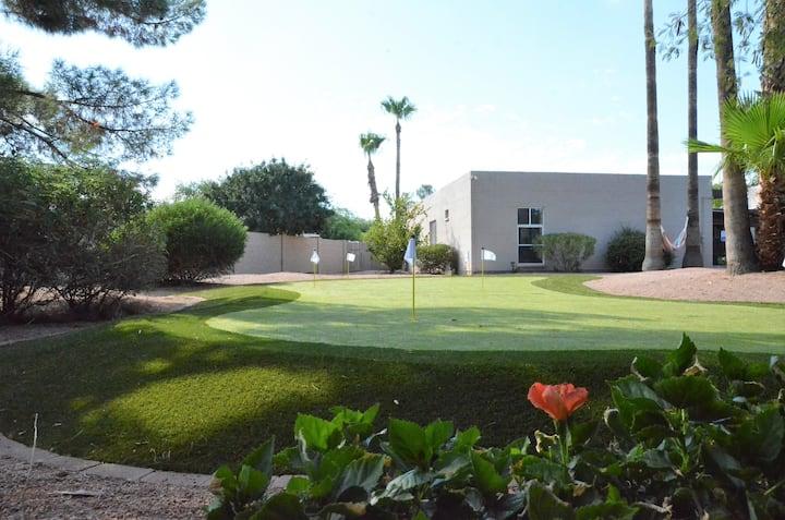 Palms Oasis in Scottsdale - Pool Golf & Sun