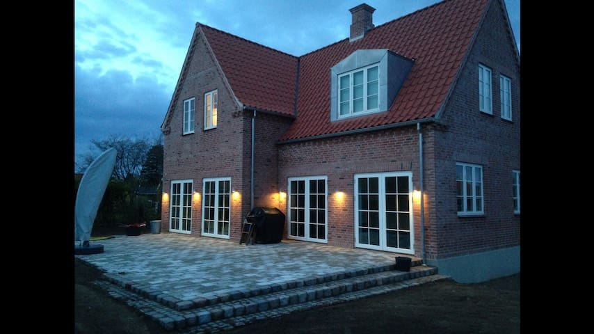 New villa in The City center for a family of 4