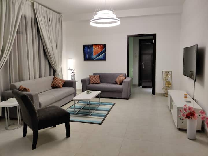 Cosy Beautiful Fully Furnished 2bed 2bath