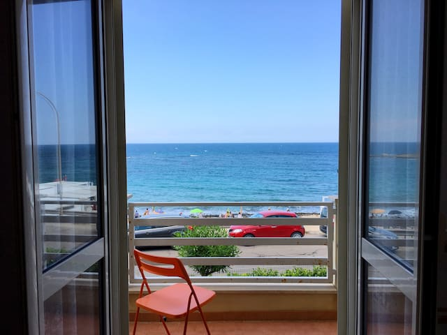 Apartment Torre Beach 50 meters sandy beach