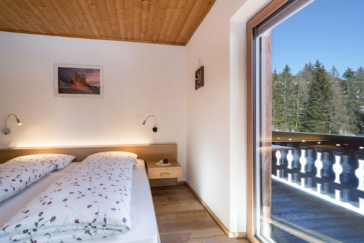 "Apartment ""Kesselberg"" near Skiing Area with Forest View, Wi-Fi, Balcony & Shared Garden; Parking Available"