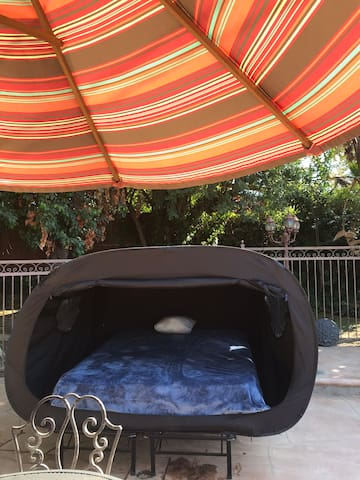 Setting the trends in air b n bTHE POP UP TENT BED
