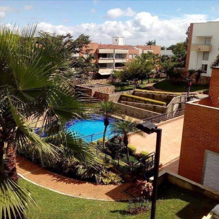 Apartamento C Jardín tranquilo y acogedor
