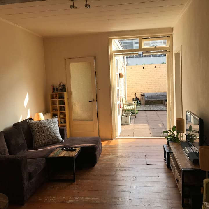 Cosy apartment with patio, near citycentre