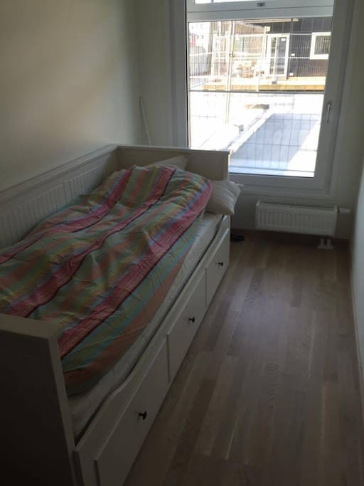 Bedroom with single bed, that can be changed to a double bed