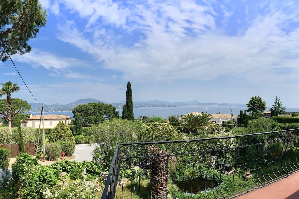 Grande terrasse / Large terrace