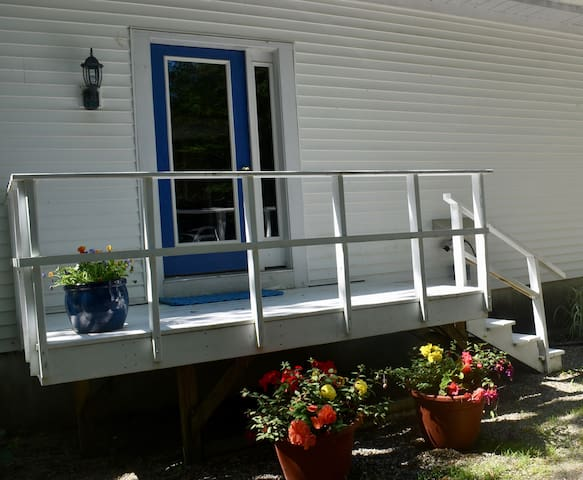 Midcoast Maine private home, 2 bedrooms.