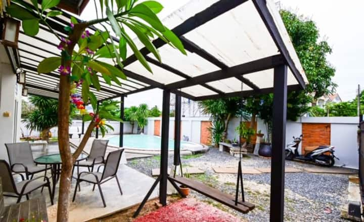 Bangrak Pool Villa - 1 BR. 5mins walk to the beach
