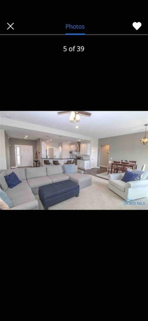 Modern 3 bedroom home centrally located