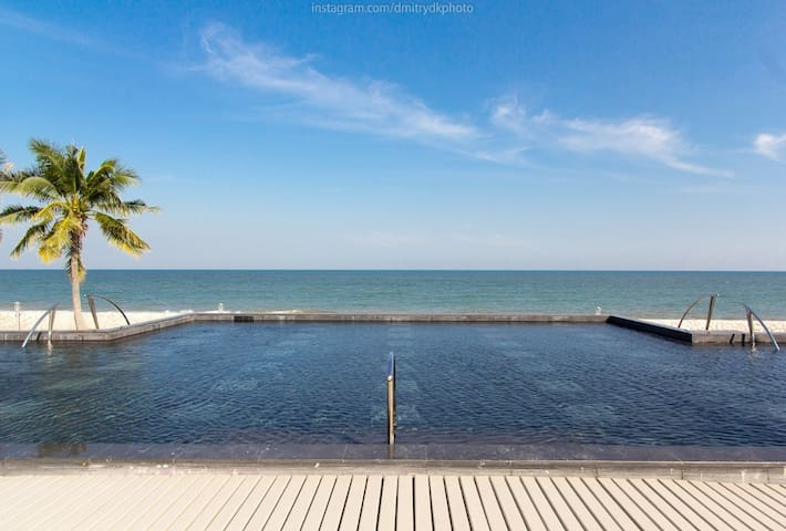 HUA HIN Seaview 1 BR with big pool/beachfront pool