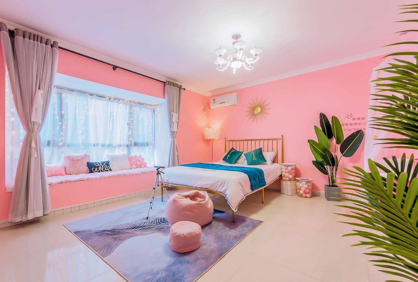 粉色为主色调的少女心卧室