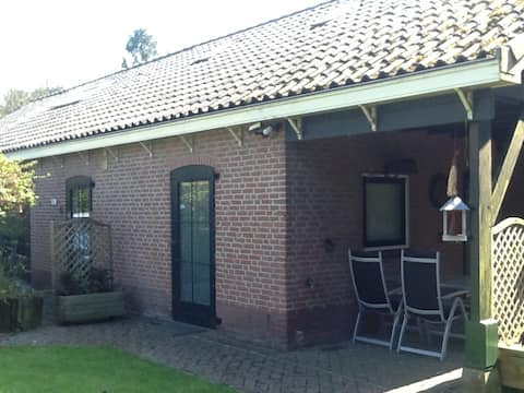 Detached guesthouse