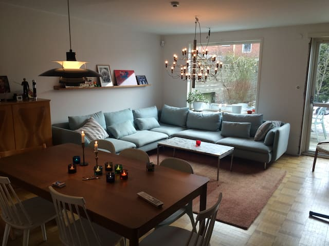 Townhouse 12 min from city - Nacka - Huis