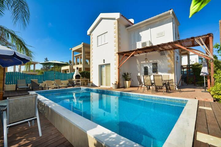 SunnyVillas:3BR Cozy Villa☆Private Pool☆NissiBeach
