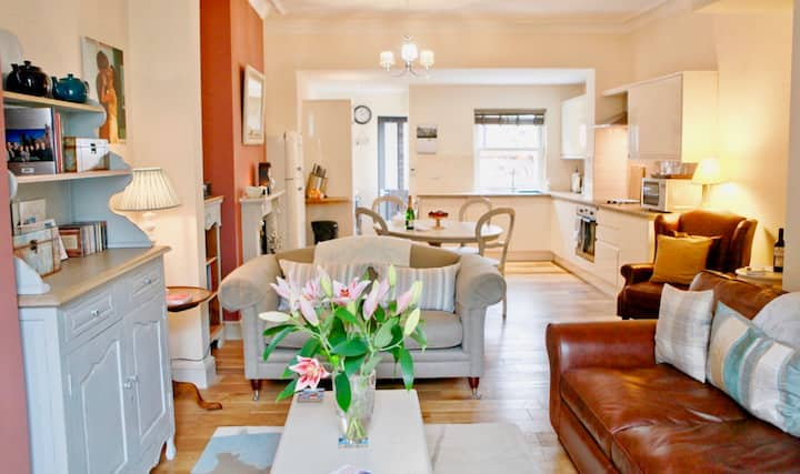 ♥Central York 5★ Spacious Cottage #Parking#Family