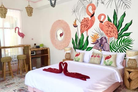 Flamingo Gili Trawangan Pink Flamingo room