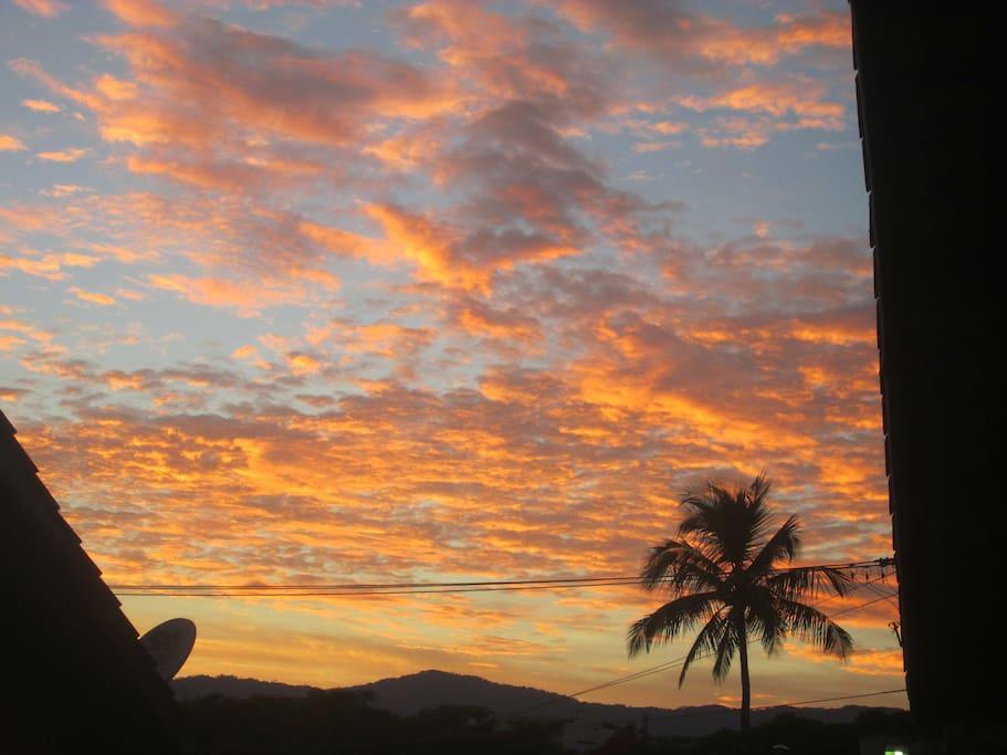 Nascer do Sol visto da varanda do AP Vida na Praia