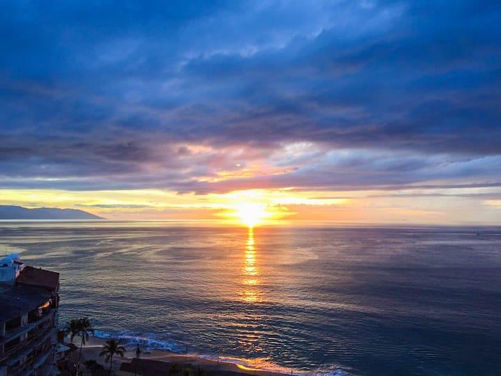 Boana Torre Malibu, Ocean View, condo 703