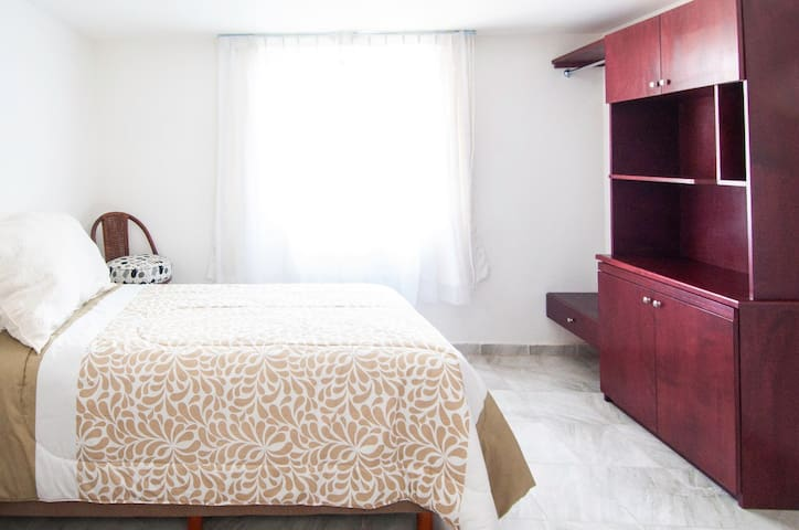 Comfortable, clean room near best Universities