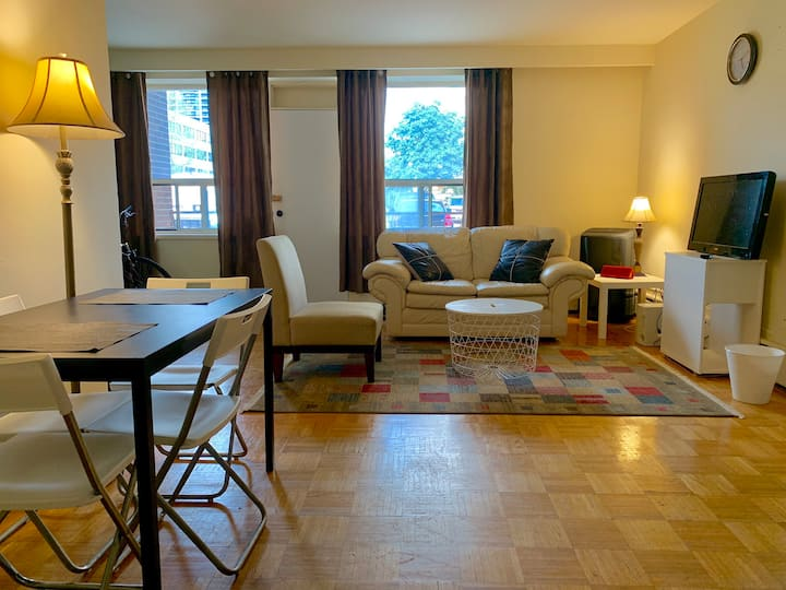 2 Bedrooms + Den Fully Equipped Apartment