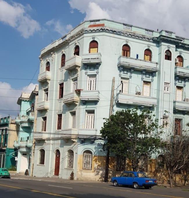 Downtown Apartments On De La Montagne Montreal: Rm1 Kuky's Place Downtown Havana