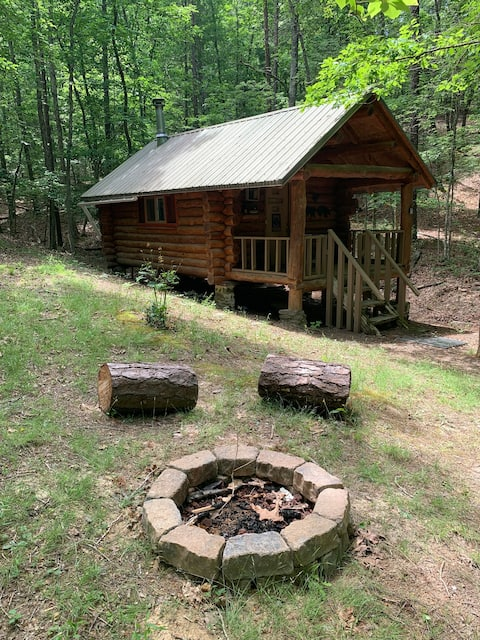 Off-Grid cabin w/ outhouse and comfy mattresses