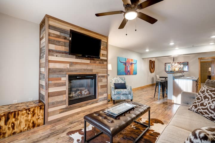 Beautiful Condo In The Heart Of Downtown Steamboat