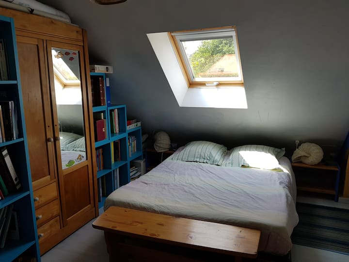 Chamber in small farmhouse, 15' from Le Mans(24h)