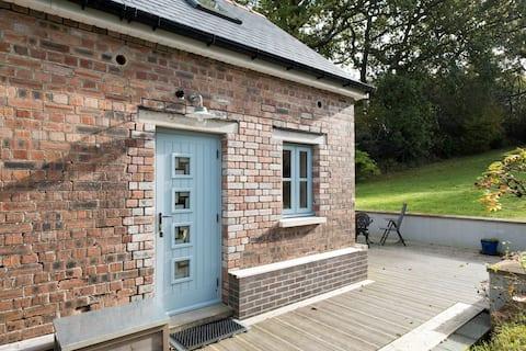 Maes Y Grove Garden Cottage