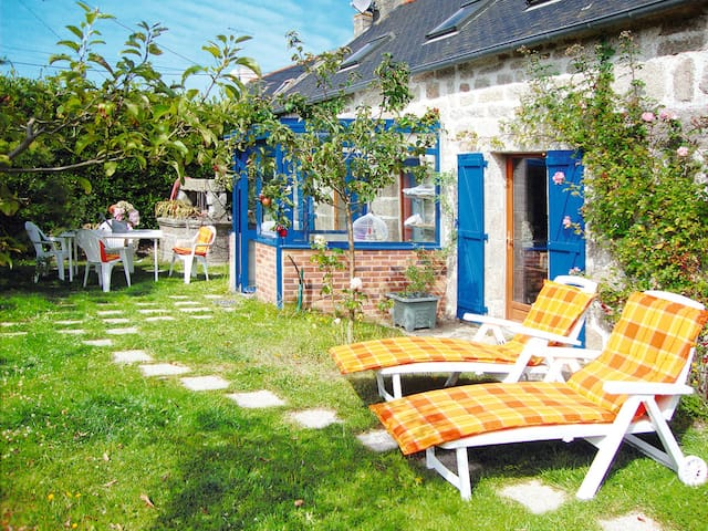 90m² holiday house for 4 persons in Trégunc