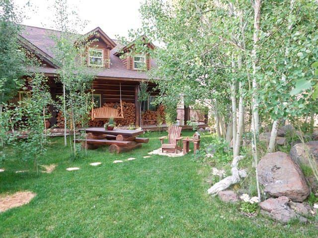 'Rocky Mountain Lodge' 5BR Cabin w/Hot Tub - Horseshoe Bend - Cabane