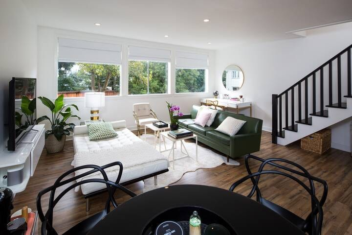 Cole Valley sunny and contemporary guest suite