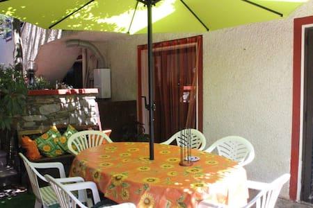 Appartamento di periferia - Olmedo - Lejlighed