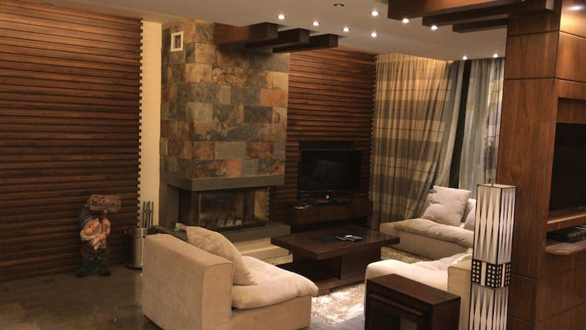 Super Deluxe Chalet in Tilal Al Assal