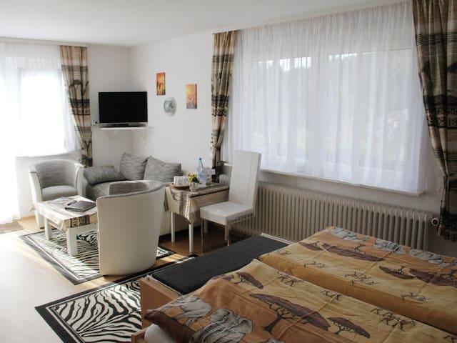 Pension Rehblick (Enzklösterle), Doppelzimmer mit WC und Dusche- P****