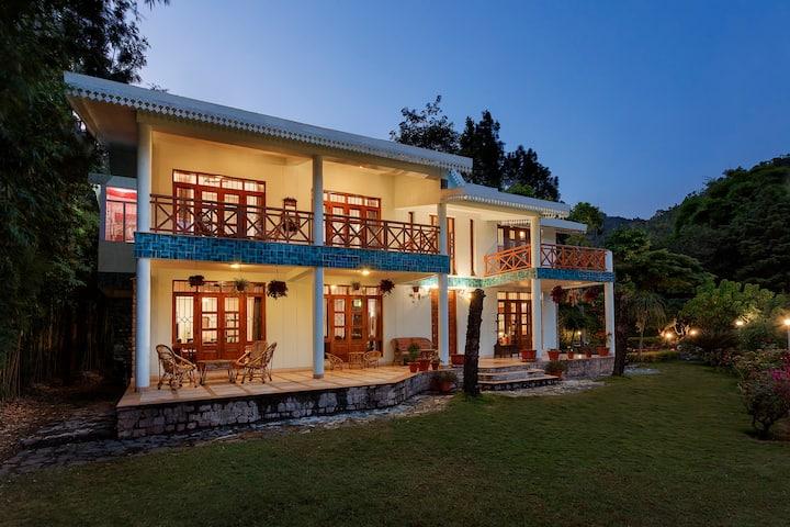 3BR Villa, Nainital hills, cook, Pvt orchard, BBQ
