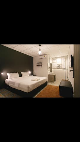 Private King bed, Ensuite - Chiang Mai - Bed & Breakfast