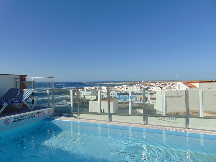 4 persons apartment with plunge pool and solarium