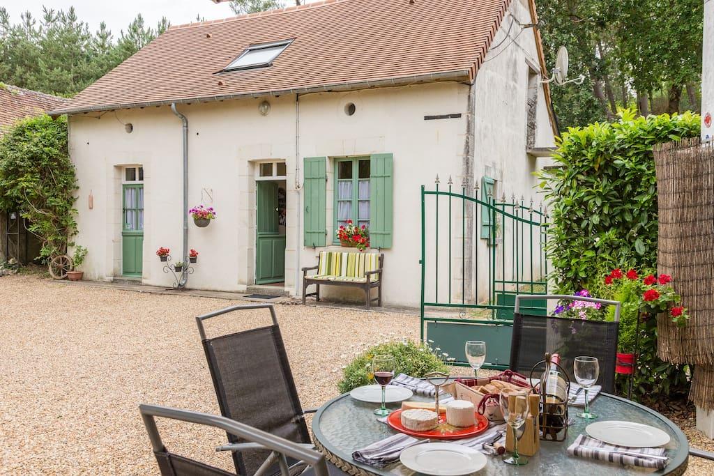 La Coyere Gites Beautiful 2 Bedroom With Pool Cottages Louer Noyant Pays De La Loire