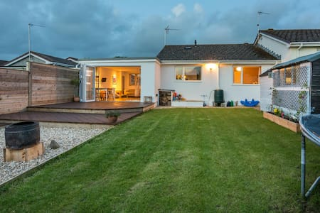 Lovely home to make memories by the beach. - Bude - Casa